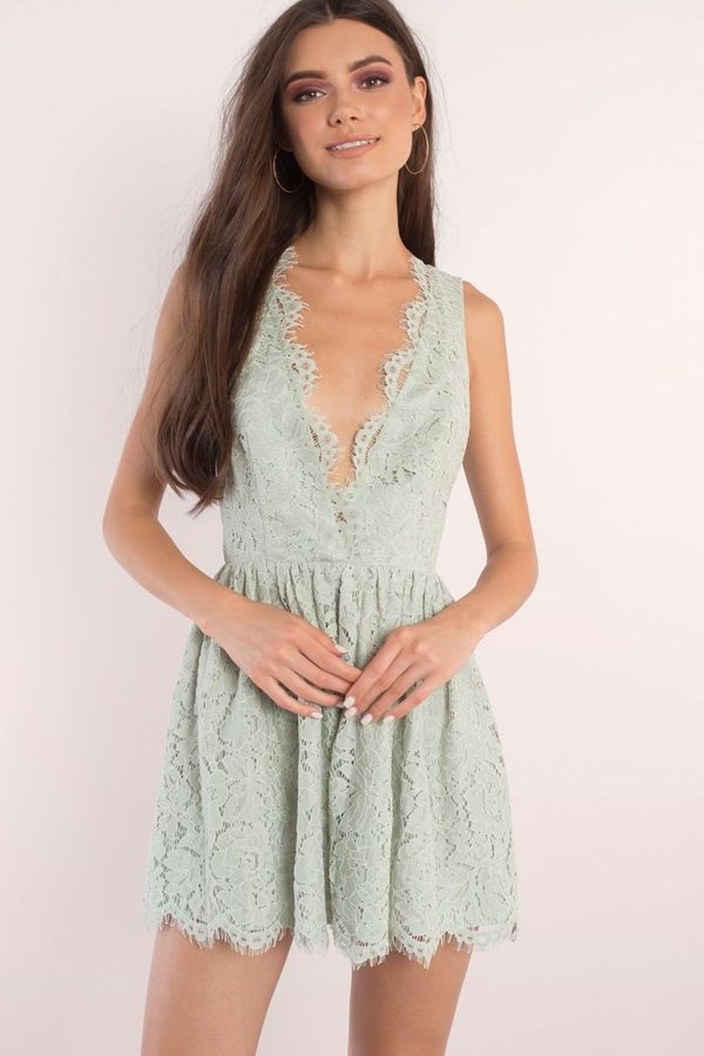 Fascinating Scalloped Clothing Ideas For Summer Outfits